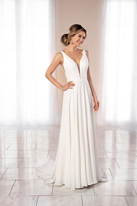 #7042 gown from the 2020 Stella York collection, as seen on dressfinder.ca