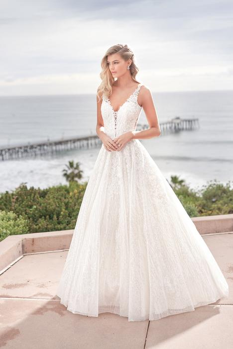 gown from the 2019 Jasmine Collection collection, as seen on dressfinder.ca