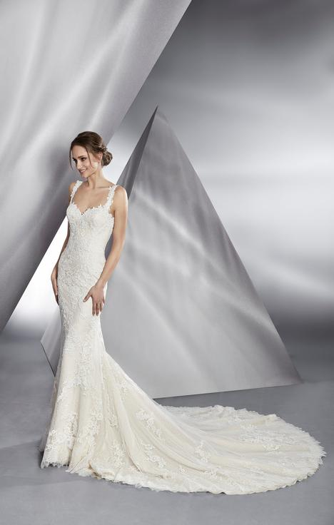 Beautiful gown from the 2018 Le Papillon by Modeca collection, as seen on dressfinder.ca
