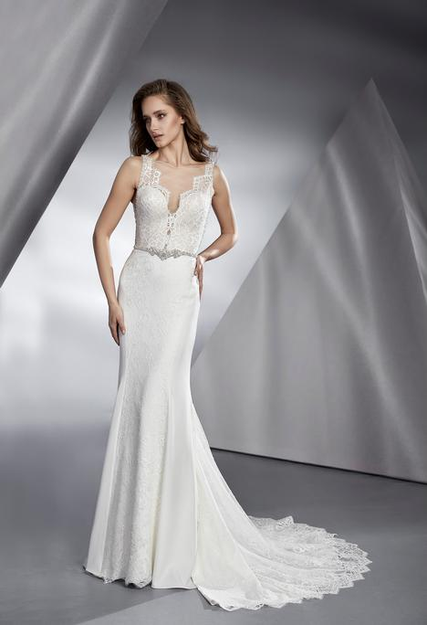 Beverly gown from the 2018 Le Papillon by Modeca collection, as seen on dressfinder.ca
