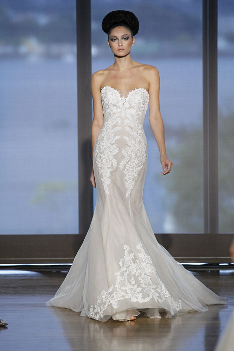 Elisavet gown from the 2014 Ines Di Santo collection, as seen on dressfinder.ca