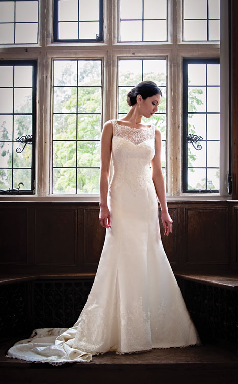 London gown from the 2014 Augusta Jones collection, as seen on dressfinder.ca