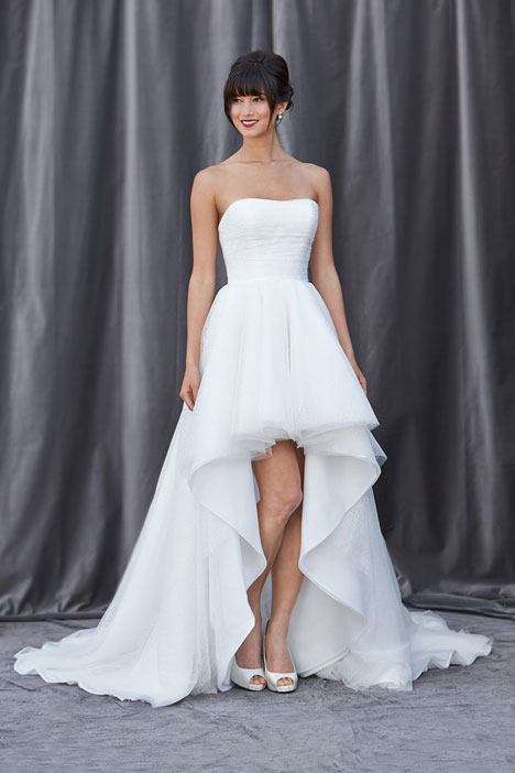 Farrah gown from the 2014 Lis Simon collection, as seen on dressfinder.ca