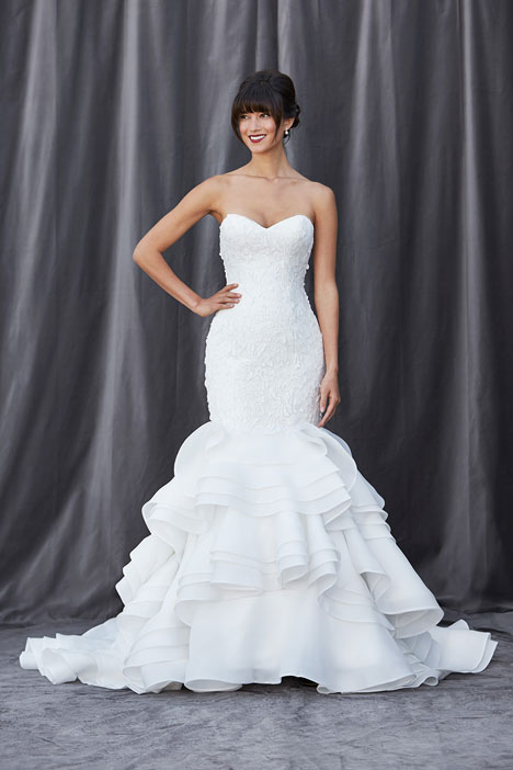 Francesca gown from the 2014 Lis Simon collection, as seen on dressfinder.ca