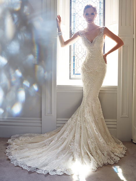 Leigh (Y21432) gown from the 2014 Sophia Tolli collection, as seen on dressfinder.ca