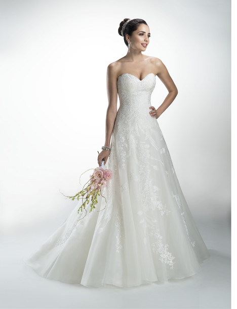 Delilah gown from the 2014 Maggie Sottero collection, as seen on dressfinder.ca