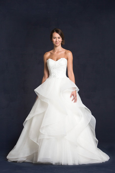Gwyneth gown from the 2015 Lis Simon collection, as seen on dressfinder.ca