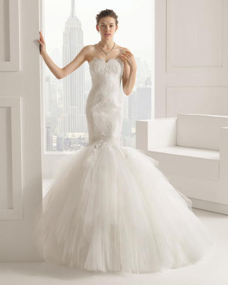Sacha gown from the 2015 Rosa Clara Couture collection, as seen on dressfinder.ca