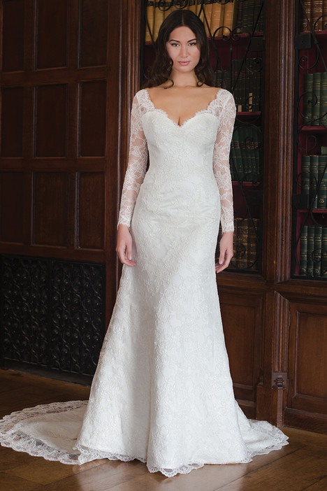 Joyce gown from the 2015 Augusta Jones collection, as seen on dressfinder.ca