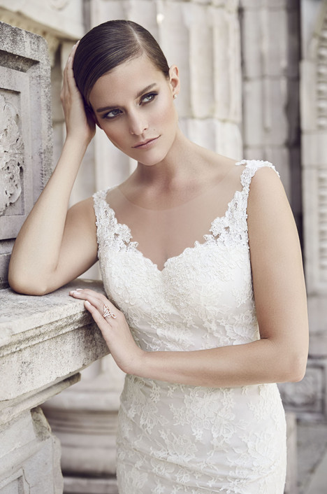 4561 gown from the 2015 Paloma Blanca collection, as seen on dressfinder.ca