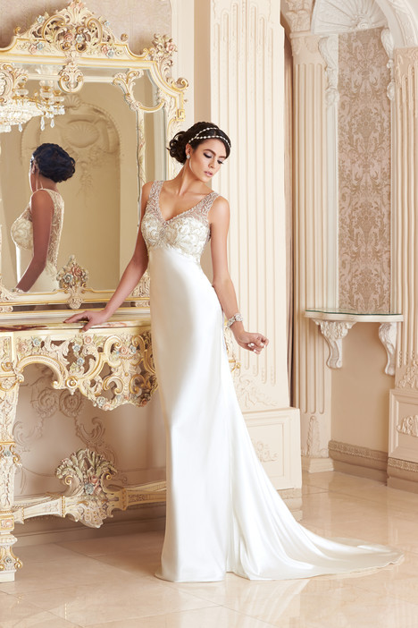 Juliette gown from the 2015 KittyChen Ivoire collection, as seen on dressfinder.ca