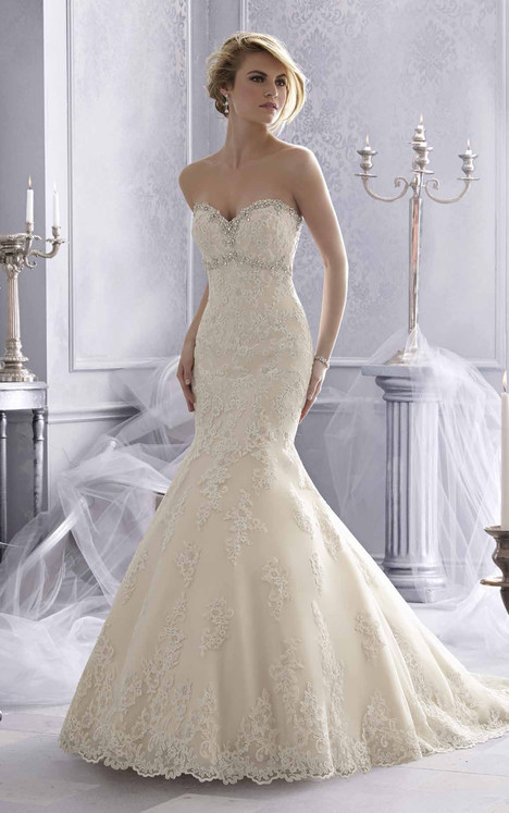 2686 gown from the 2015 Mori Lee: Bridal collection, as seen on dressfinder.ca