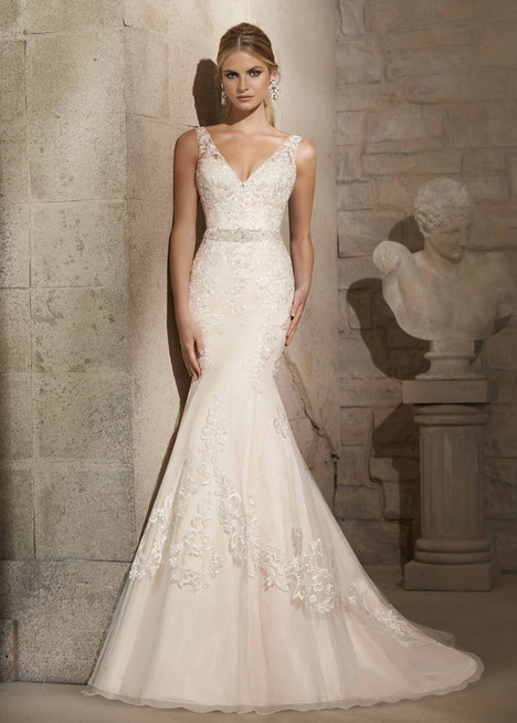 2715 gown from the 2015 Mori Lee: Bridal collection, as seen on dressfinder.ca