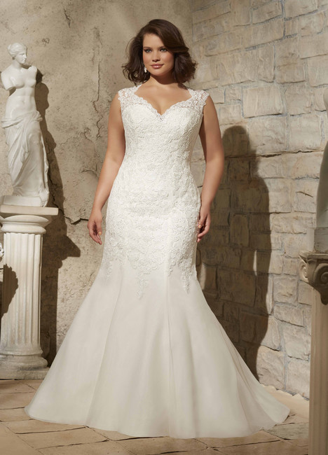 3175 gown from the 2015 Mori Lee: Julietta collection, as seen on dressfinder.ca