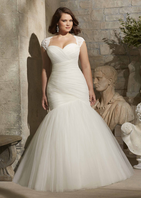 3176 gown from the 2015 Mori Lee: Julietta collection, as seen on dressfinder.ca