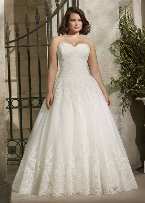 3178 gown from the 2015 Mori Lee: Julietta collection, as seen on dressfinder.ca