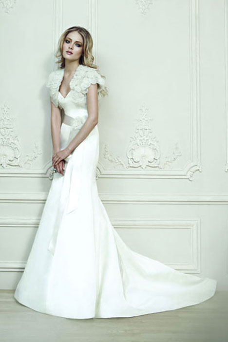 Armane gown from the 2010 Rivini collection, as seen on dressfinder.ca