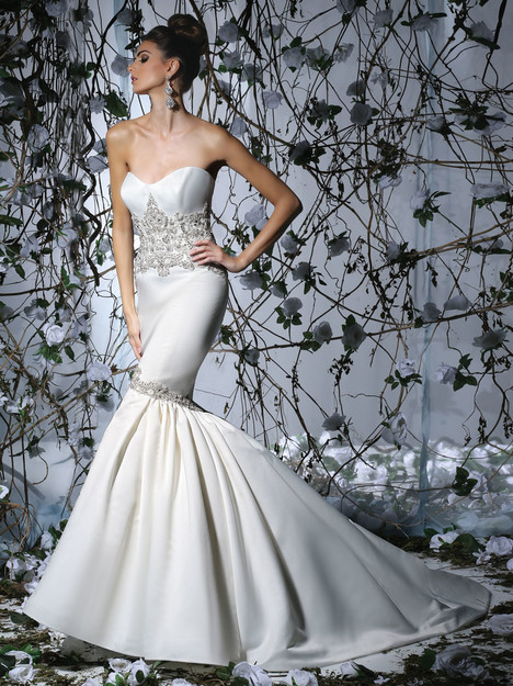 VH178 gown from the 2015 Victor Harper collection, as seen on dressfinder.ca