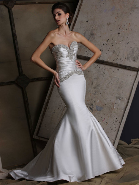VH188 gown from the 2015 Victor Harper collection, as seen on dressfinder.ca