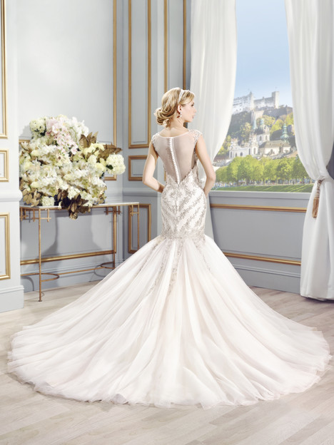 Sienna gown from the 2015 Val Stefani collection, as seen on dressfinder.ca