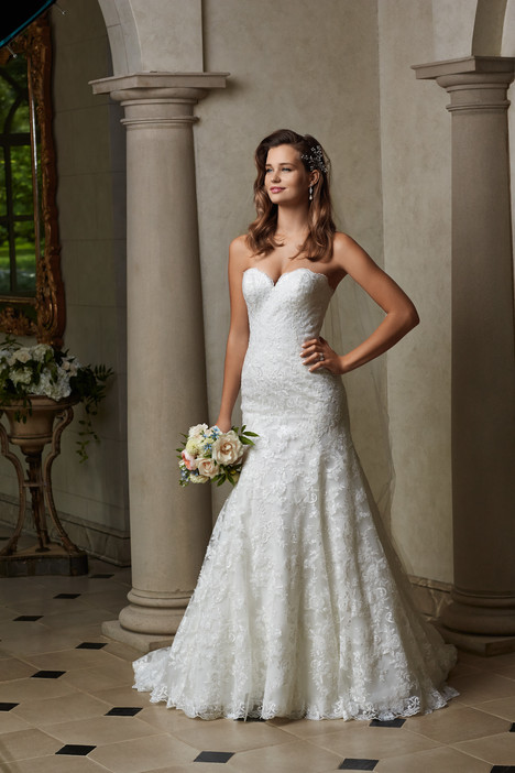 Monroe gown from the 2015 Wtoo Brides collection, as seen on dressfinder.ca