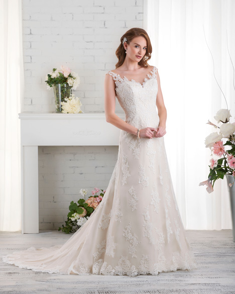 524 gown from the 2015 Bonny Bridal collection, as seen on dressfinder.ca