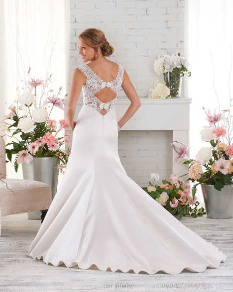 530 (back) gown from the 2015 Bonny Bridal collection, as seen on dressfinder.ca