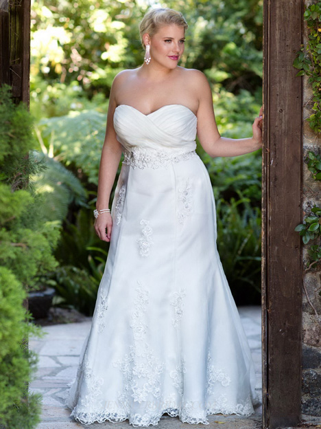 3366 gown from the 2013 Femme by Kenneth Winston collection, as seen on dressfinder.ca