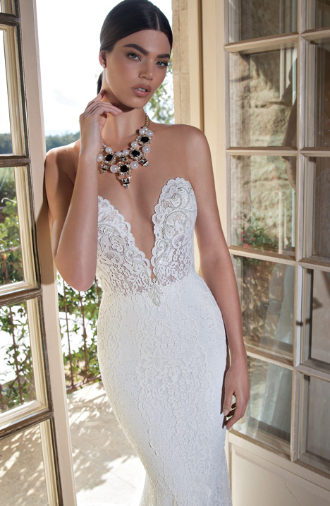 15-01 gown from the 2015 Berta Bridal collection, as seen on dressfinder.ca
