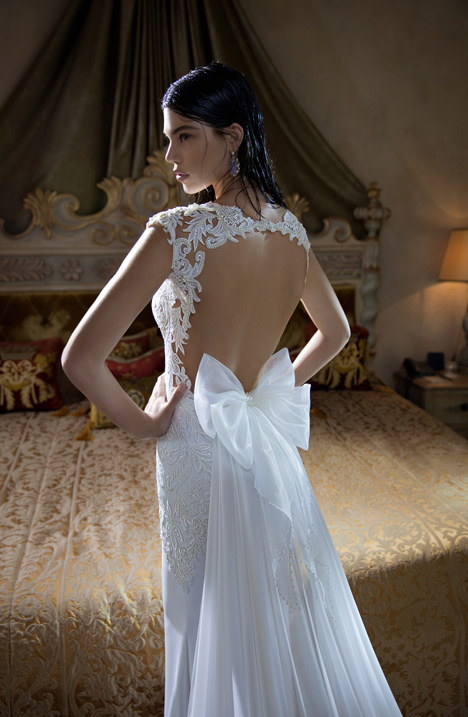 15-03 (back) gown from the 2015 Berta Bridal collection, as seen on dressfinder.ca