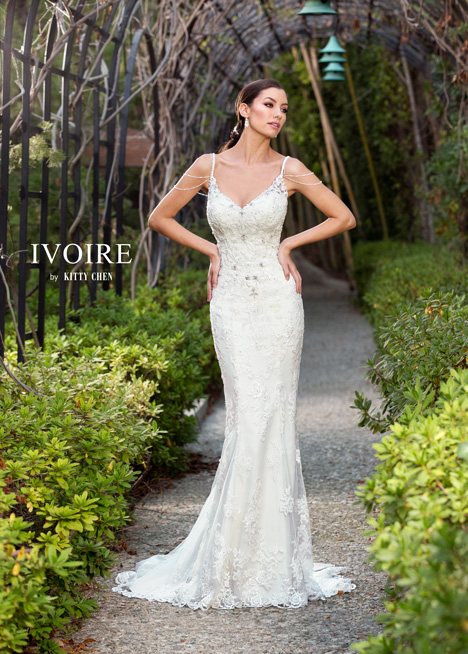 Marissa gown from the 2016 KittyChen Ivoire collection, as seen on dressfinder.ca