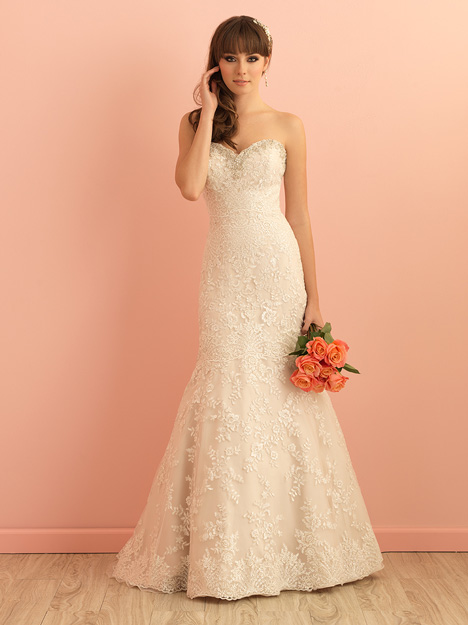 #2850 gown from the 2015 Allure Romance collection, as seen on dressfinder.ca