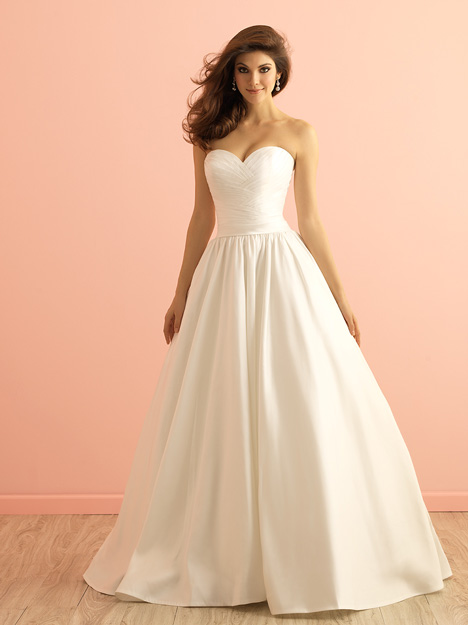 2855 gown from the 2015 Allure Romance collection, as seen on dressfinder.ca