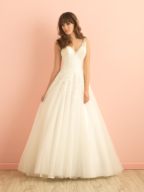 2860 gown from the 2015 Allure Romance collection, as seen on dressfinder.ca