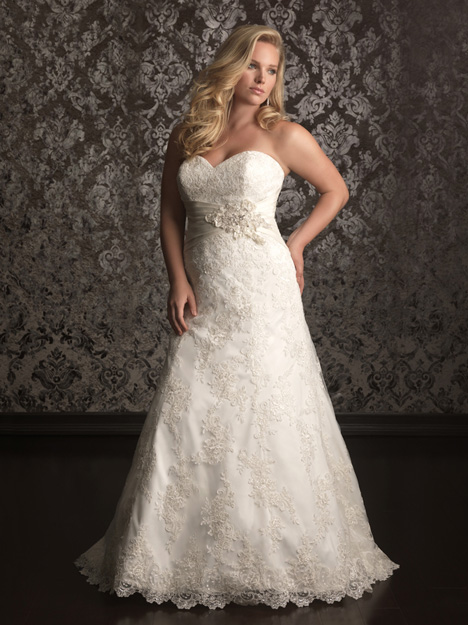 W311 gown from the 2013 Allure Bridals : Allure Women collection, as seen on dressfinder.ca