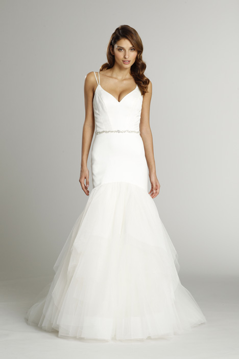 9556 gown from the 2015 Alvina Valenta collection, as seen on dressfinder.ca