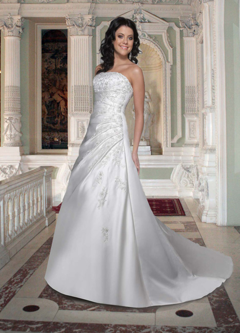 8354 gown from the 2013 DaVinci collection, as seen on dressfinder.ca
