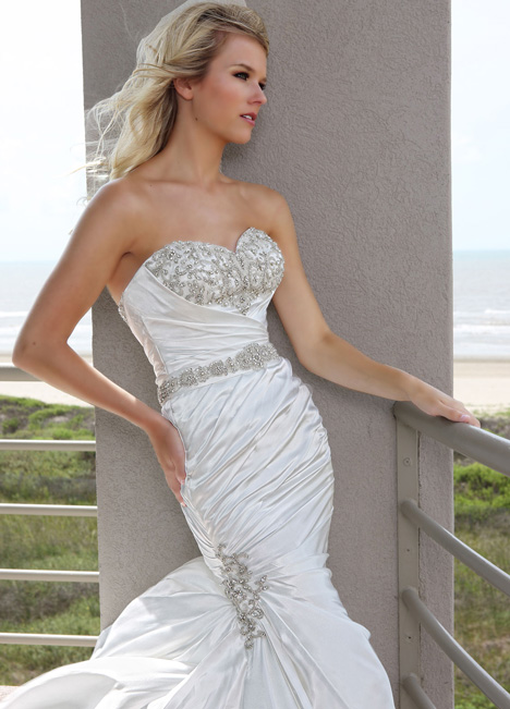 50239 gown from the 2015 DaVinci collection, as seen on dressfinder.ca