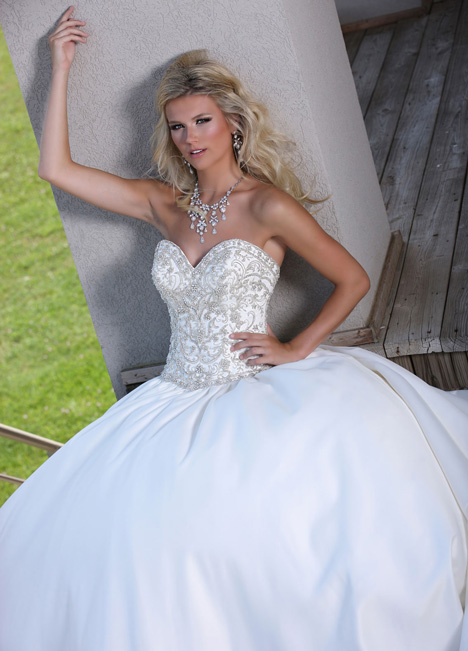 50251 gown from the 2015 DaVinci collection, as seen on dressfinder.ca