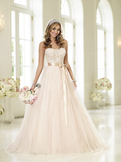6028 gown from the 2015 Stella York collection, as seen on dressfinder.ca