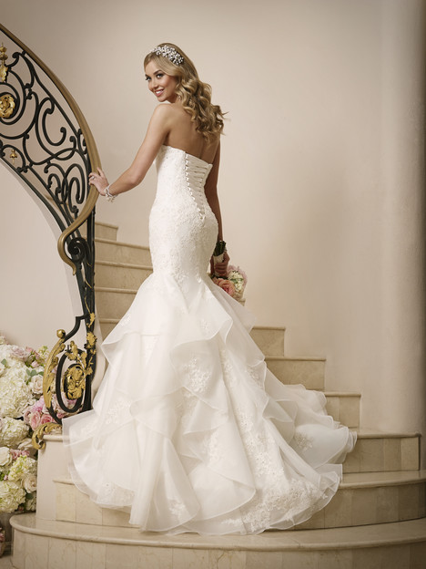 6046 gown from the 2016 Stella York collection, as seen on dressfinder.ca