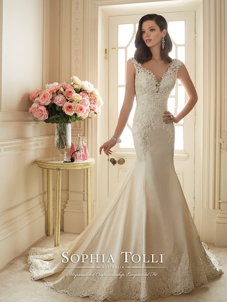 Rexana (Y11629) gown from the 2016 Sophia Tolli collection, as seen on dressfinder.ca