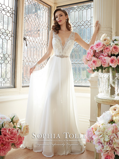 Augusta (Y11633) gown from the 2016 Sophia Tolli collection, as seen on dressfinder.ca