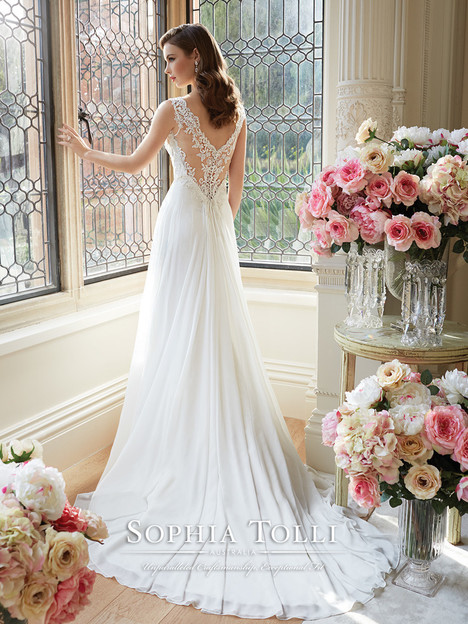 Augusta (Y11633) (2) gown from the 2016 Sophia Tolli collection, as seen on dressfinder.ca