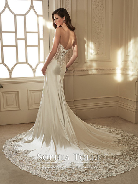 Morrigan (Y11642) (2) gown from the 2016 Sophia Tolli collection, as seen on dressfinder.ca