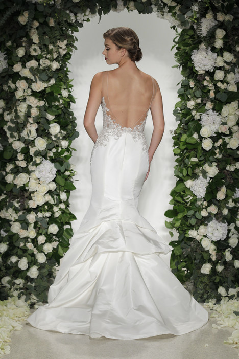 Lanesborough (2) gown from the 2016 Anne Barge collection, as seen on dressfinder.ca