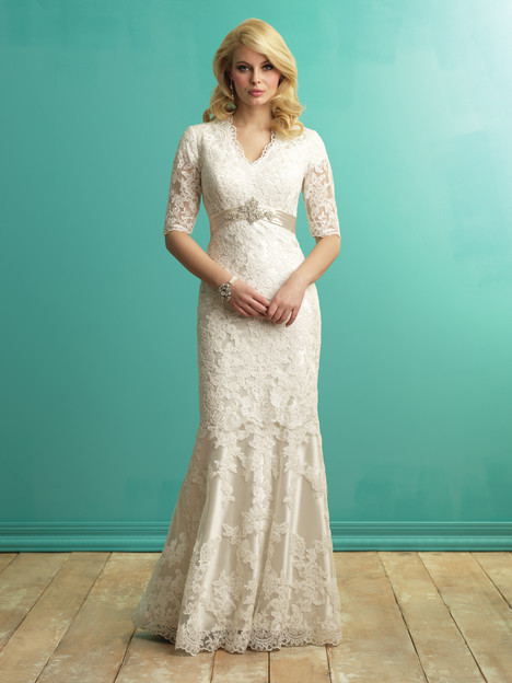 M543 gown from the 2016 Allure Modest collection, as seen on dressfinder.ca