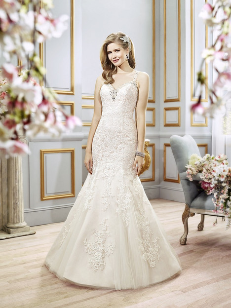 J6402 gown from the 2016 Moonlight : Collection collection, as seen on dressfinder.ca