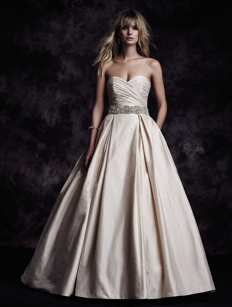 4606 gown from the 2015 Paloma Blanca collection, as seen on dressfinder.ca