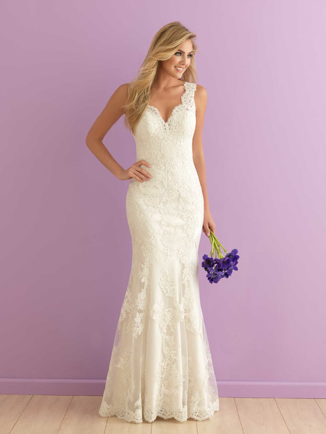 2901 gown from the 2016 Allure Romance collection, as seen on dressfinder.ca